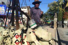 Kisah Pak Salim, berjalan ratusan kilometer jualan mainan tradisional