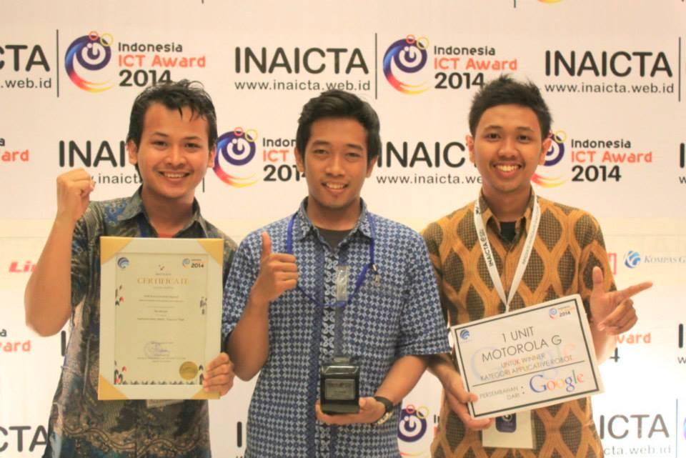 3 Mahasiswa di Surabaya kembangkan segway murah berbasis android, top!