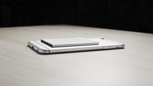 Aksesori ini bisa bikin iPhone punya fitur dual sim, berminat?