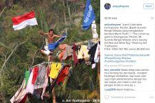 Jepretan Ibu Ani tentang lomba panjat pinang tuai pujian netizen