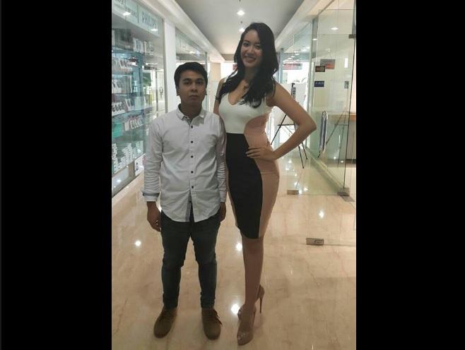 Biar serasi bareng Putri Indonesia, tinggi Raditya Dika 'disulap' fans