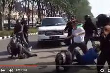 5 Kejanggalan video Ki Kusumo dibully di jalanan
