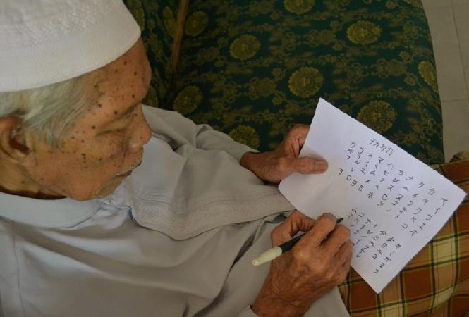 Parino, veteran yang masih mahir menulis dan berbahasa Jepang