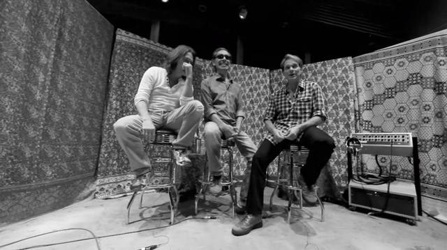 Siapa sangka dalam diri Van Halen masih mengalir darah Indonesia