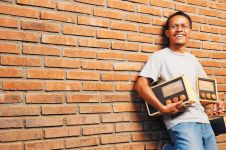 Kisah sukses Singgih lewat radio kayu Magno,produknya diakui dunia!