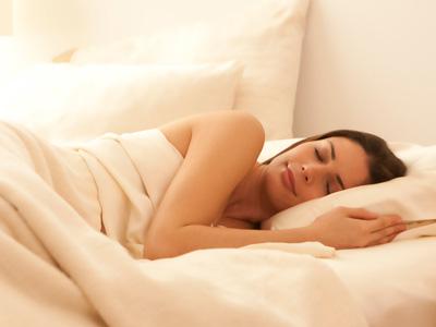 5 Manfaat tidur telanjang, salah satunya membuat tidur lebih nyenyak