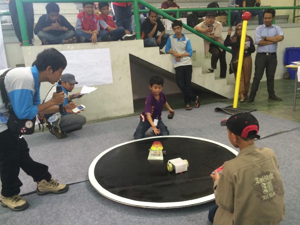 UII diramaikan dengan sumo, tapi bukan sumo beneran lho!