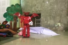 Wah! Ternyata pemain teater ini adalah robot