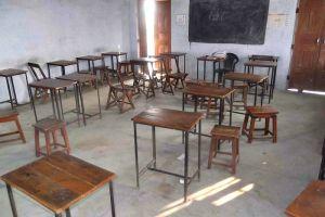 Kepala sekolah ini liburkan muridnya demi kencan dengan pacar