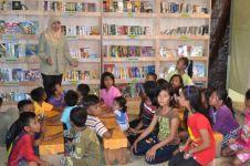 Tingkatkan minat baca anak desa dengan Omah Baca Karung Goni