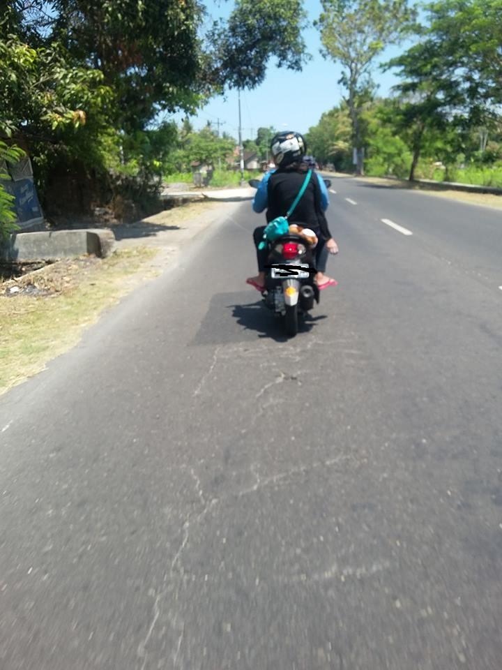 Foto pengendara taburkan serbuk mencurigakan hebohkan Jogja