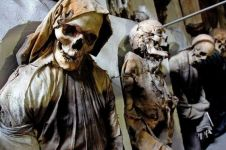 10 Kuburan ini disebut paling unik di dunia, Indonesia juga punya!