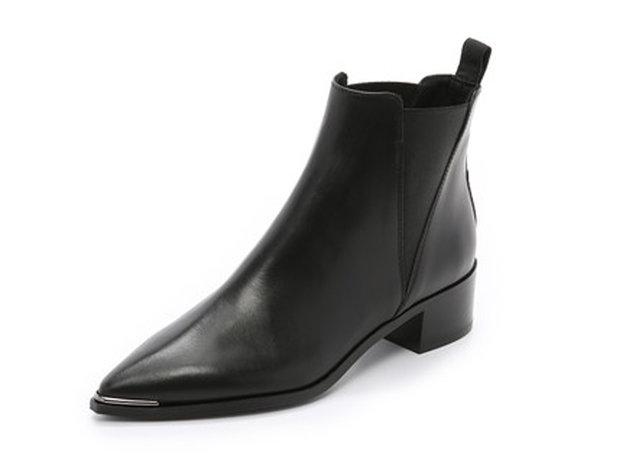 5 Sepatu boot yang harus kamu punya agar bisa tetap tampil elegan