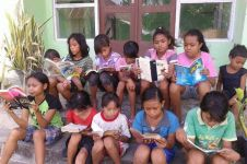 TKW di Hongkong ini rutin donasikan buku bagi pendidikan anak-anak NTT