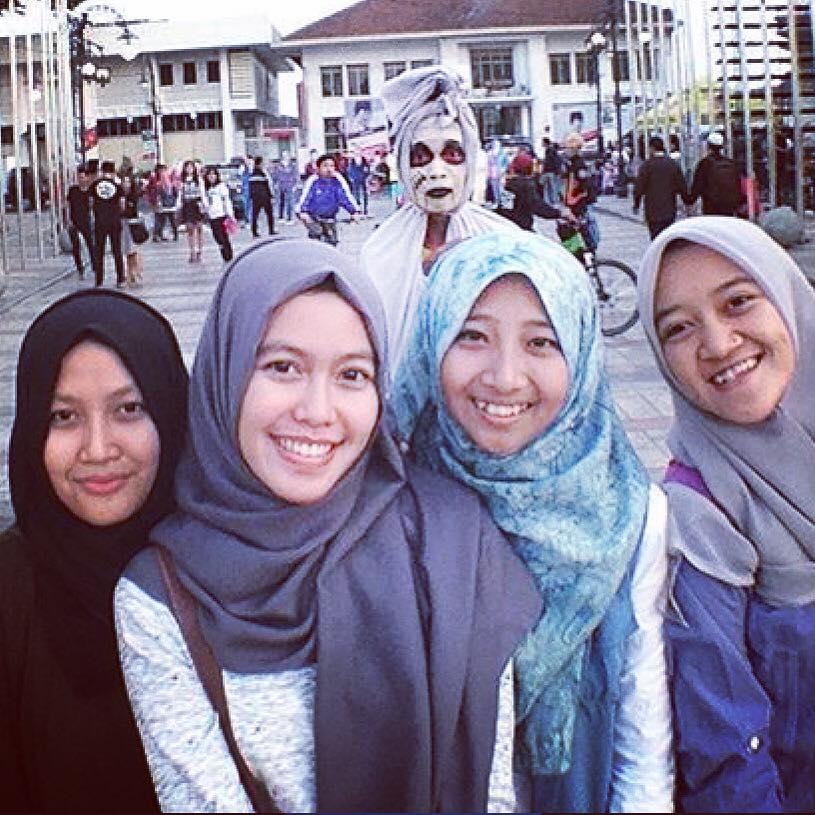 Ini model hijab yang menurut Ridwan Kamil paling gaya, ada-ada saja!