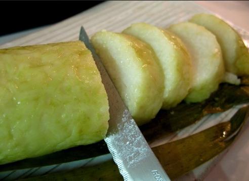 15 Makanan Indonesia ini hanya sedap dibungkus atau dimasak pakai daun