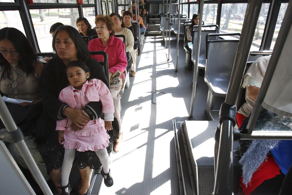 Andai angkutan umum bisa begini, pasti anak muda naik semua