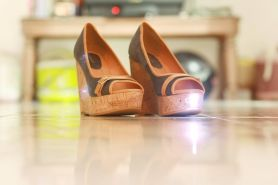 Kabar gembira! Kini ada sepatu stylish anti begal untuk cewek