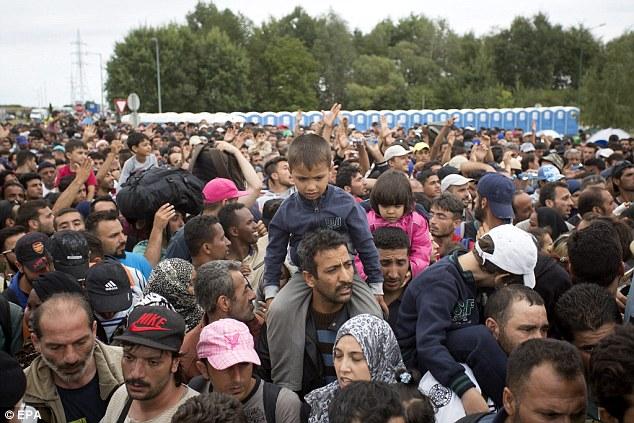 Abaikan imigran, Arab Saudi malah tawarkan bantuan masjid ke Jerman