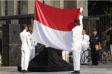 Kenapa upacara bendera itu setiap hari Senin?