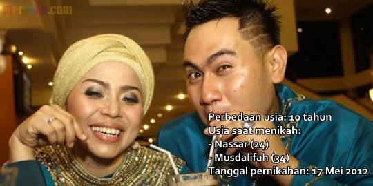 10 Artis Indonesia menyatukan cinta kasih tanpa pandang usia
