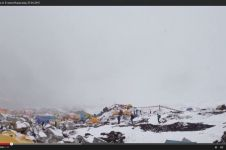 19 Jenazah ini diyakini masih tertinggal di Gunung Everest