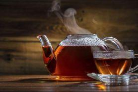 Meminum teh panas bisa memicu terjadinya kanker kerongkongan