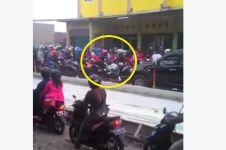 Aparat pengawal ugal-ugalan dan tabrak pengendara di jalan