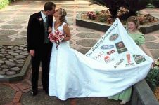 Gaun pengantin yang bikin penampilan malah jadi aneh, berani pakai?