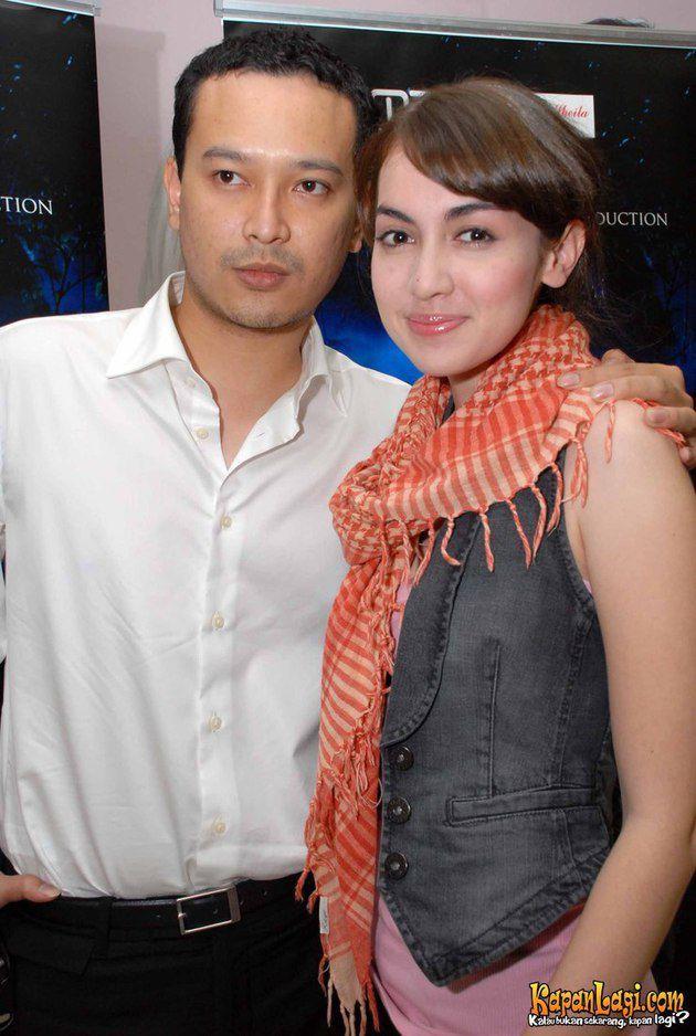 Jalinan cinta 10 pasangan artis ini kandas, pacaran lama tak jaminan!