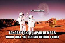 10 Meme penemuan air di Mars, masih mau pindah ke sana?