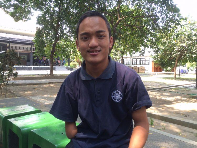 Pernah mogok sekolah, kini Farid jadi penerima beasiswa