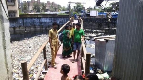 Pelajar ini bangun jembatan untuk akses anak-anak desanya bersekolah