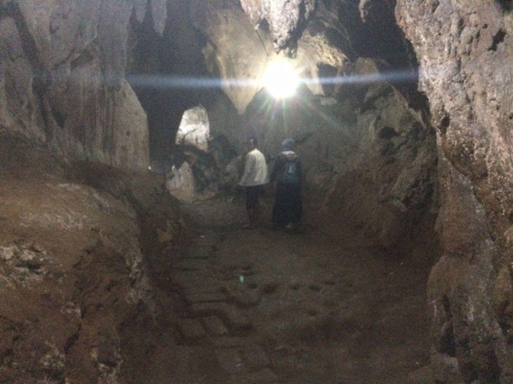 Arca emas peninggalan kerajaan Hindu ditemukan di goa ini