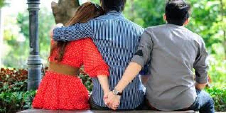 Berdalih gaji suami tak cukup, istri nekat kerja & ternyata selingkuh