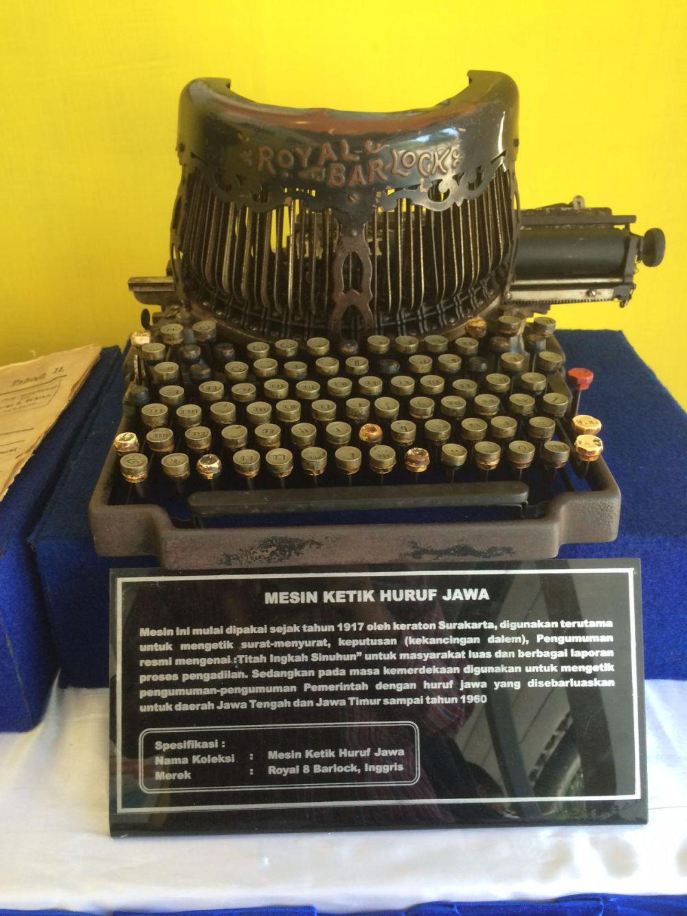 Ternyata dulu pernah ada mesin ketik huruf Jawa, begini bentuknya!