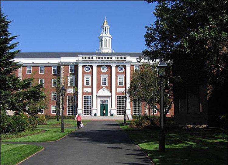9 Fakta Hamburger University, tes masuknya lebih susah dari Harvard!