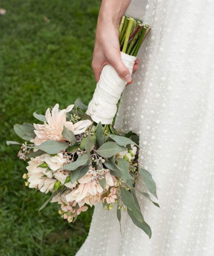 Pernikahan tertunda, karena menuruti tradisi keluarga