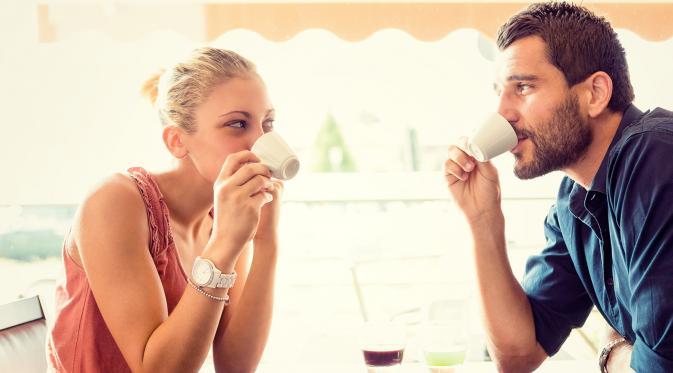 Jangan asal pilih baju, warna pakaian bisa pengaruhi kencan pertamamu
