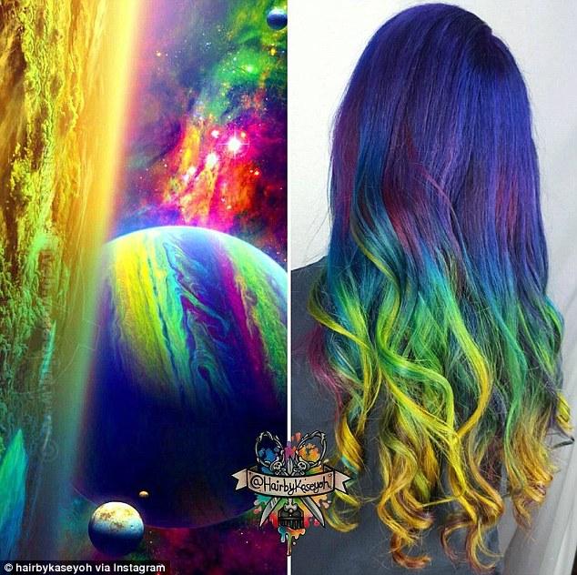 Gaya rambut paling hits campuran warna terang mirip galaksi