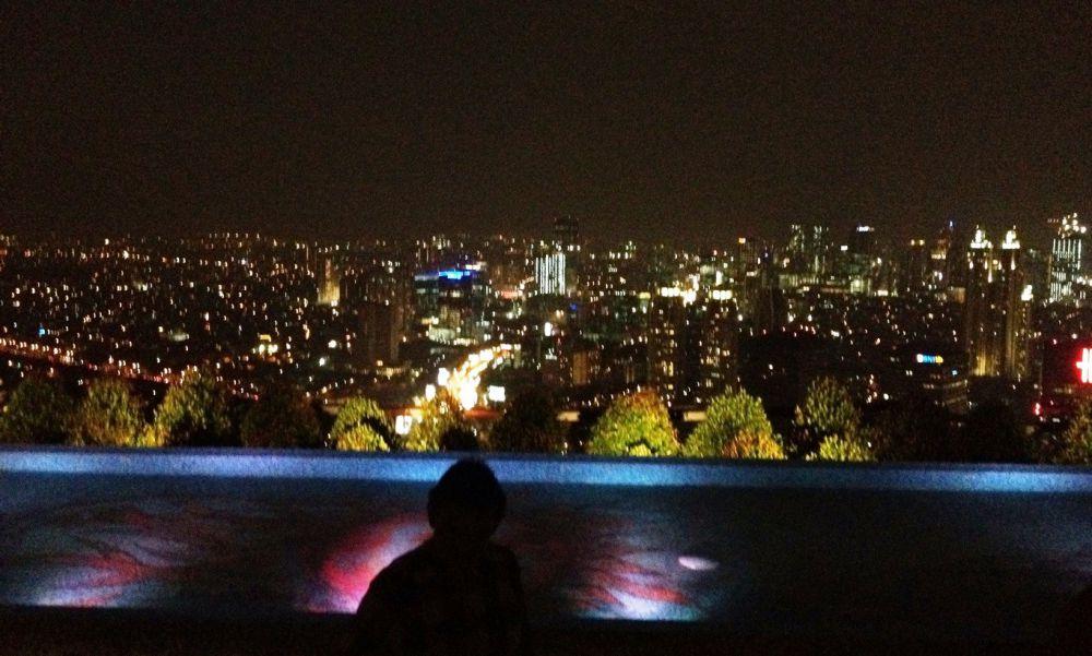 Asyiknya nongkrong 'di atas langit', urban Jakarta akrab dengan ini
