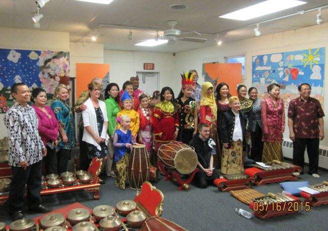 Teaching Bahasa Indonesia in the United States. This is Fima's story