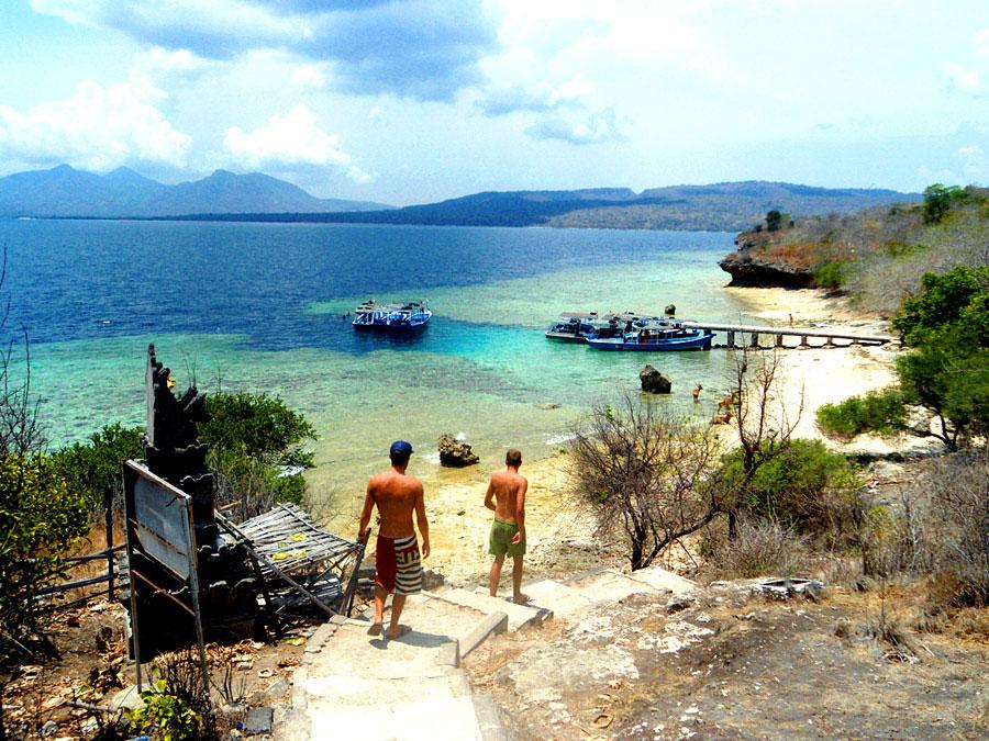 8 Pulau kecil ini cocok banget buat liburan anak muda kekinian!