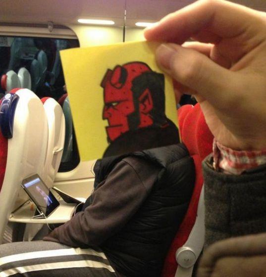 18 Tokoh kartun ini naik transportasi umum, kamu?