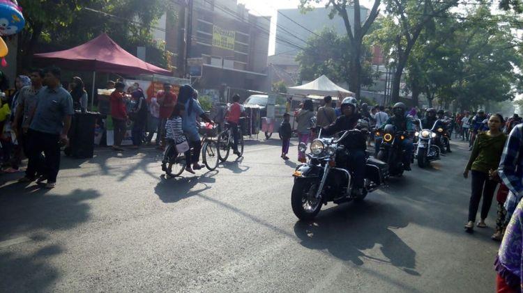 Terabas pejalan kaki di Car Free Day, rombongan moge dihujat netizen