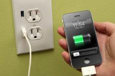 10 Mitos menyesatkan seputar baterai smartphone yang perlu kamu tahu
