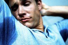 Keringat bisa jadi pertanda kamu tengah stres, ups!