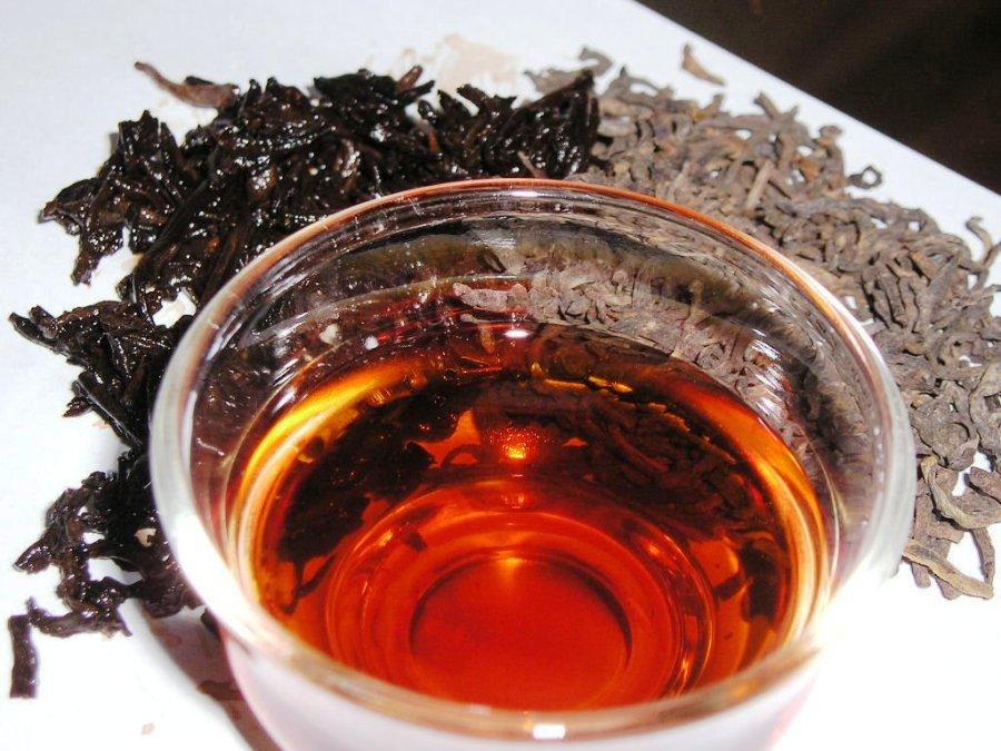 Mau berhenti 'hobi' ngemil? Minum teh hitam, ampuh!