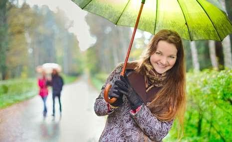 10 Cara agar kamu nyaman traveling di musim hujan, mau tahu!
