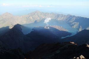Gunung Rinjani Meletus, Bandara Ngurah Rai Bali ditutup sementara